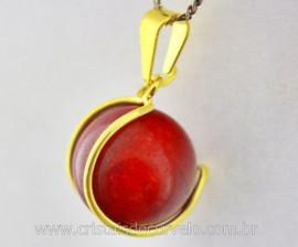 Pingente Bolinha Quartzo Vermelho Envolto Pedra Rolado Mineral Natural Montagem Dourada