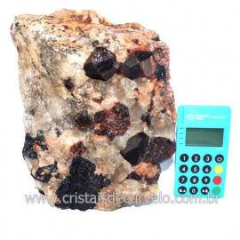 Piropo Granada Pedra Natural Incrustado na Matriz Cod 118492
