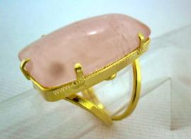 Anel Quartzo Rosa Cabochão Retangular Pedra Natural Montagem Banho Flash Dourado Aro Ajustavel