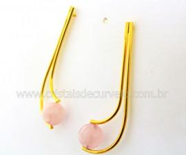 Brinco Boomerang Montagem Pedra Quartzo Rosa Dourado REFF BB2487