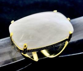 Anel Quartzo Leitoso Cabochão Retangular Pedra Natural Montagem Flash Dourado Aro Ajustavel