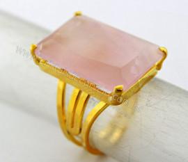 Anel Quartzo Rosa Facetado Pedra natural de Garimpo Banho Flash Dourado Aro Ajustavel REF 26.4