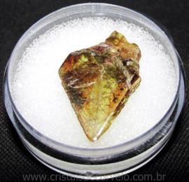 Esfenio Titanita Mineral Bruto Natural no Estojo Cod 115066