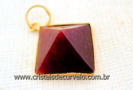 Pingente Piramide Pedra Quartzo Vermelho  Castoação Envolto Flash Dourado