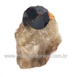 Piropo Granada Pedra Natural Incrustado na Matriz Cod 118495
