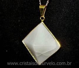 Pingente Piramide Pedra Quartzo Leitoso  Castoação Envolto Flash Dourado