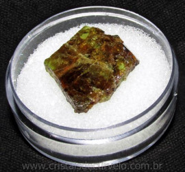 Esfenio Titanita Mineral Bruto Natural no Estojo Cod 115069