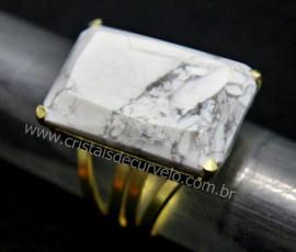 Anel Howlita Facetado Pedra natural de Garimpo Banho Flash Dourado Aro Ajustavel REFF 32.7