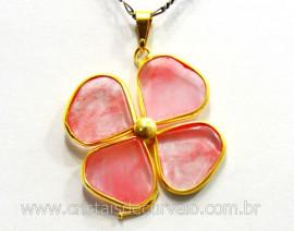 Pingente Trevo Cherry Rosa Trevinho da Sorte Montagem Dourado