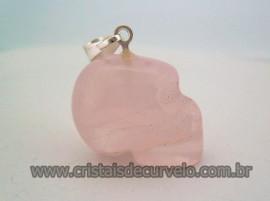 Pingente Caveira ou Cranio de Pedra Quartzo Rosa Natural Montagem Prateado