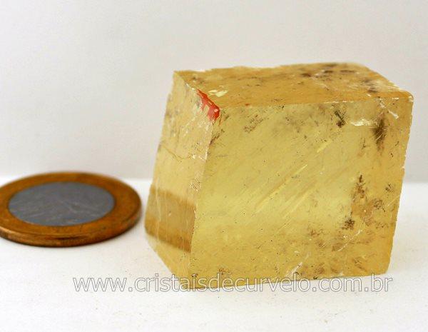 calcita-otica-cubo-amarelo.jpg