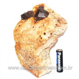 Piropo Granada Pedra Natural Incrustado na Matriz Cod 118500