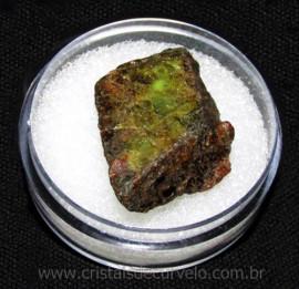 Esfenio Titanita Mineral Bruto Natural no Estojo Cod 115061
