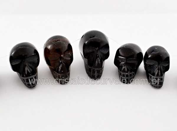 fb36179857e3c Cranio Furo Vazado Pedra Obsidiana Negra De Garimpo Esculpido Pequeno -  Loja Cristaisdecurvelo